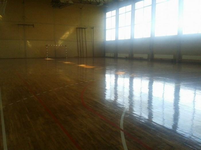 Обнова школске дворане