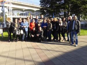 Испред Сајма књига  у Београду