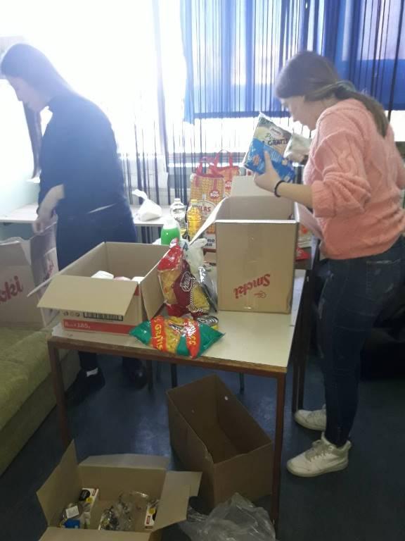 Добротворна акција ученика средње школе и омладинаца Црвеног крста