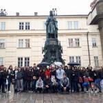 Заједничка слика поред споменика Карла IV