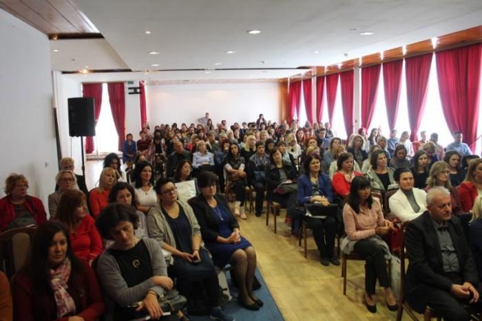 Професори српског језика на семинару